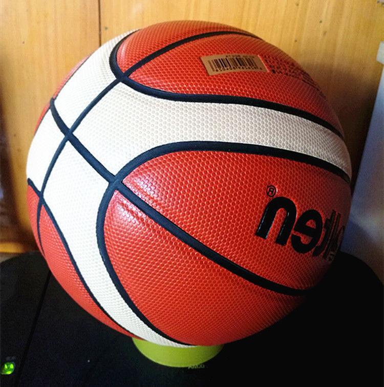 Molten Men's Basketball In/Outdoor Fun Training w/Bag Pin